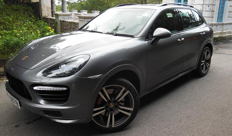 Porsche Cayenne Turbo Rental